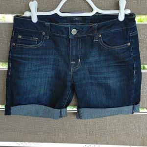 Dex Short Jean size 28 women